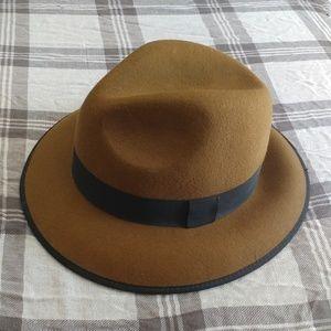Vintage style brown felt fedora